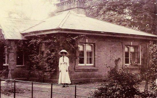Brownlow House (Lodge)